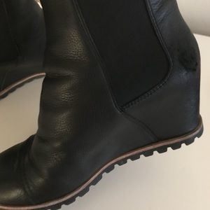 fc6cb776383 Ugg pax wedge waterproof boots